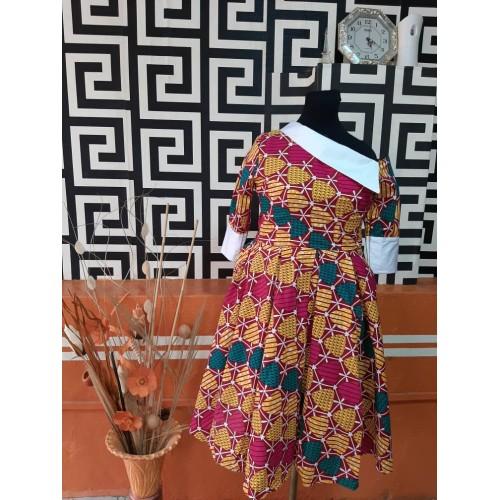 Slanted neck flared dress(L)